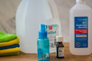 Three ingredients to make your own poo poo spray